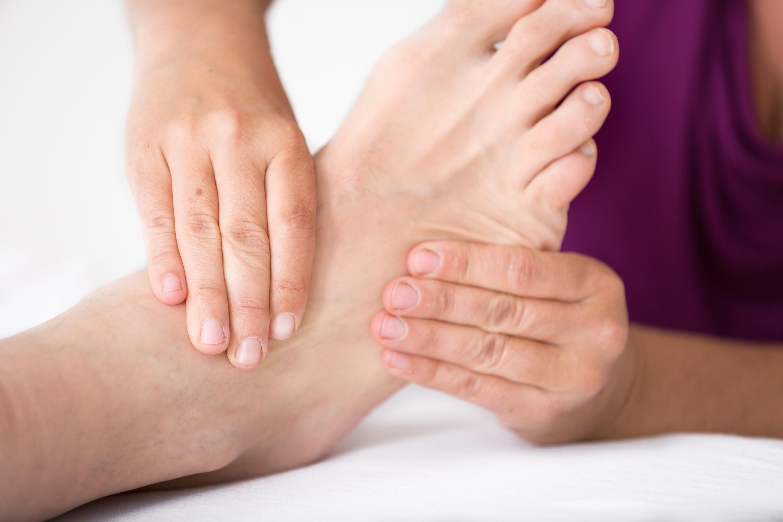 Durch die Füße kann man auf viele Bereiche im Körper Einfluss nehmen